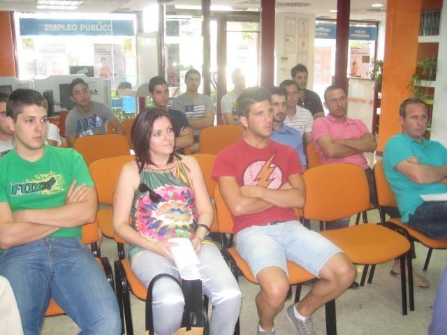 Asistentes charla Policía Nacional Granada